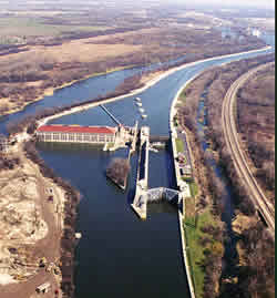 Lockport Lock on Chicago Sanitary and Shipping Canal | Photo: IL EPA